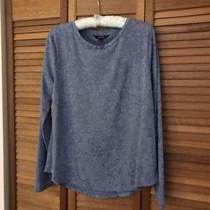 Simply Vera Wang Long Sleeves T-Shirt EUC